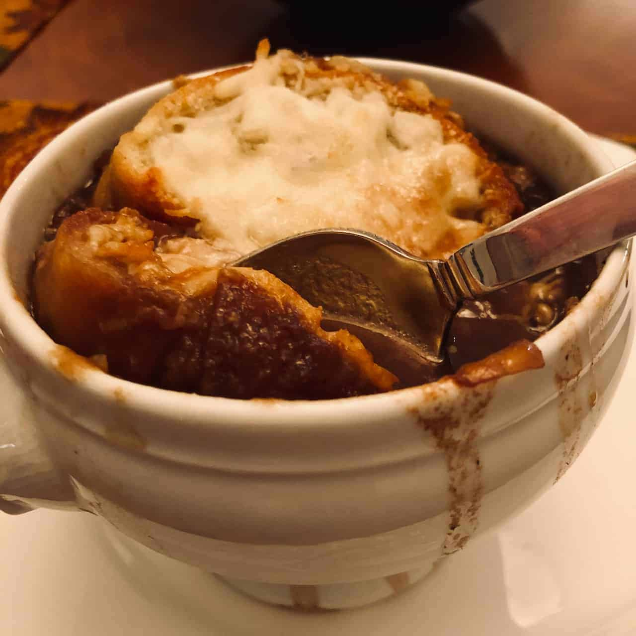 How to Make French Onion Soup in a Slow Cooker